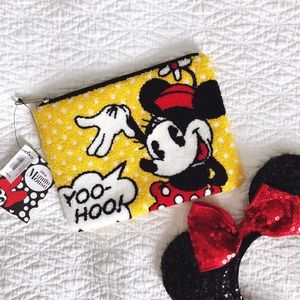 Minnie Mouse Pouch